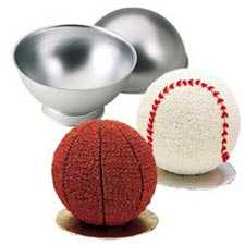 Wilton®Sports Ball Pan Set